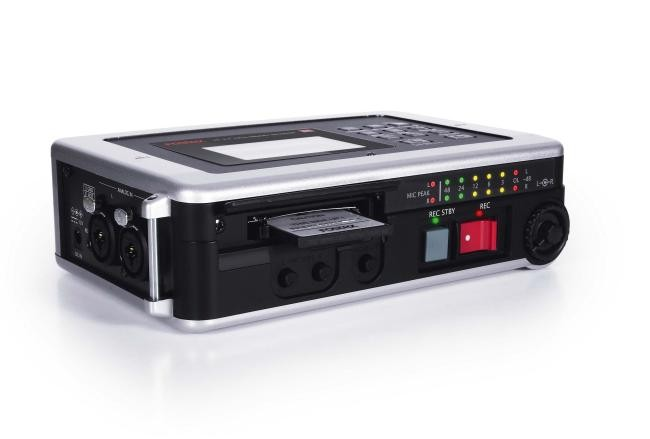 Fostex FR-2 LE Compact Audio Recorder